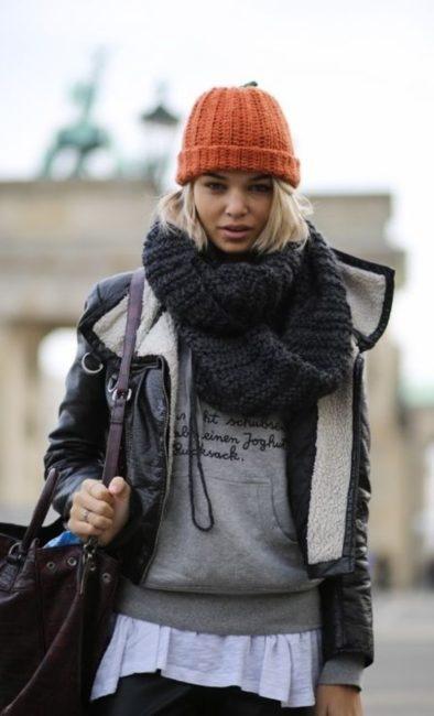 стрит стайл шапка и шарф