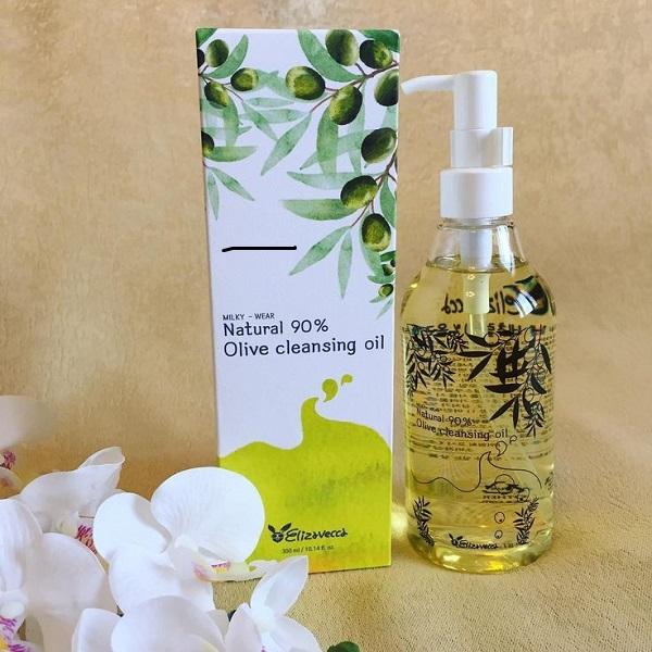 1 ступень- гидрофильное масло для снятия макияжа
